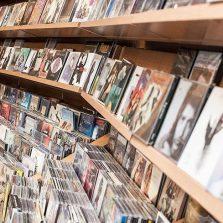 Colección de discos en la tienda Gran Vía Flamenco