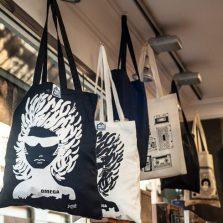 Flamenco merchandise con las mejores artistas flamenco en la tienda flamenco Gran Vía Discos